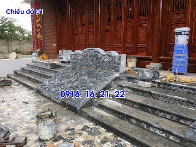 Hình ảnh mẫu chiếu rồng đẹp bằng đá trước cửa nhà thờ họ