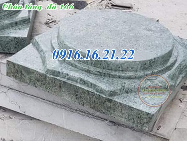 Chân tảng đá kê chân cột xanh rêu