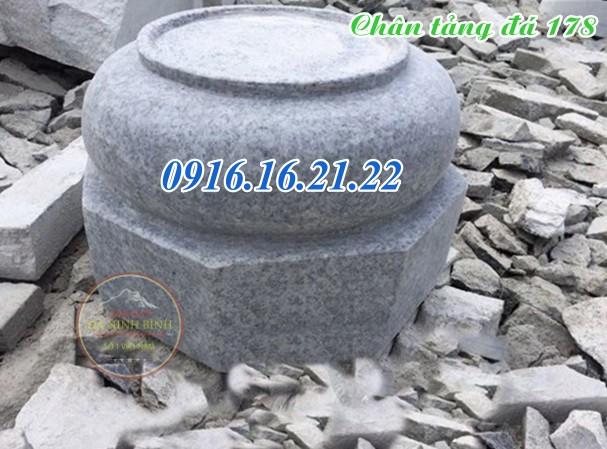 Chân tảng đá đơn giản kê cột nhà gỗ tại Đăk Lăk